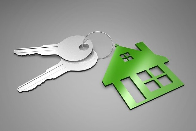 klíče s přívěškem